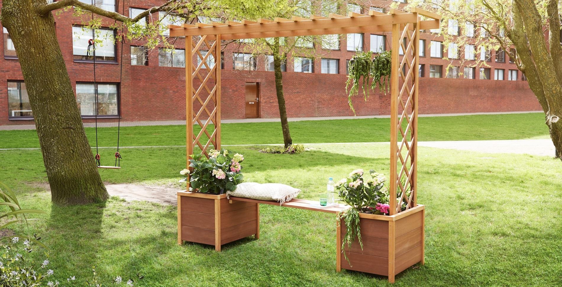 Maak een tuinbank met een pergola - Bedekking voor pergola ...