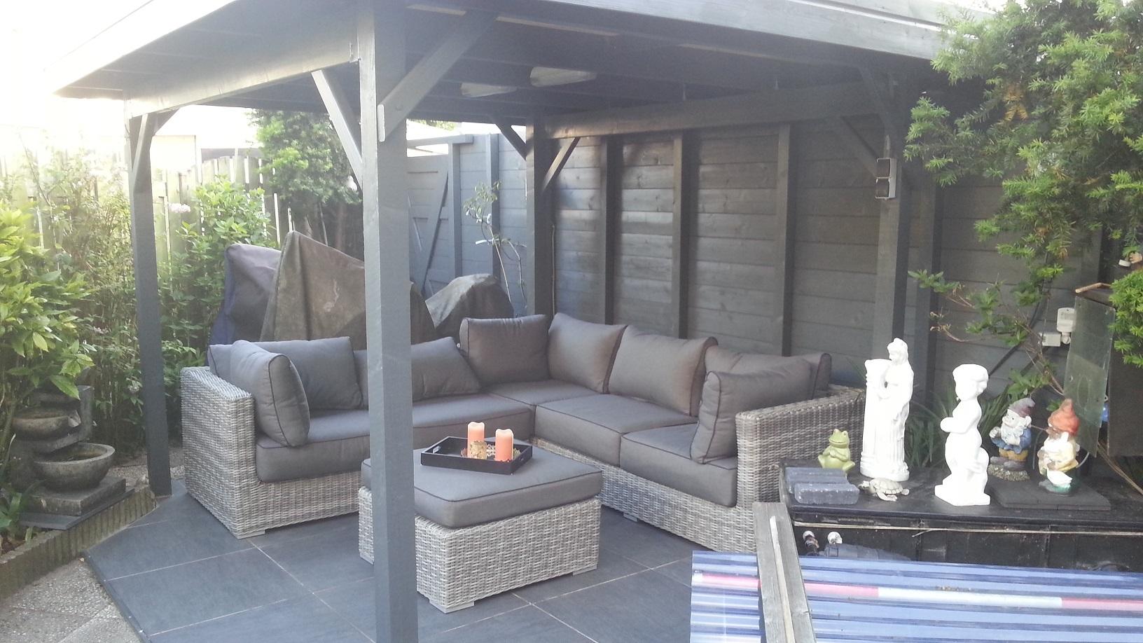 Veranda bouwen in de tuin for Tuin praxis