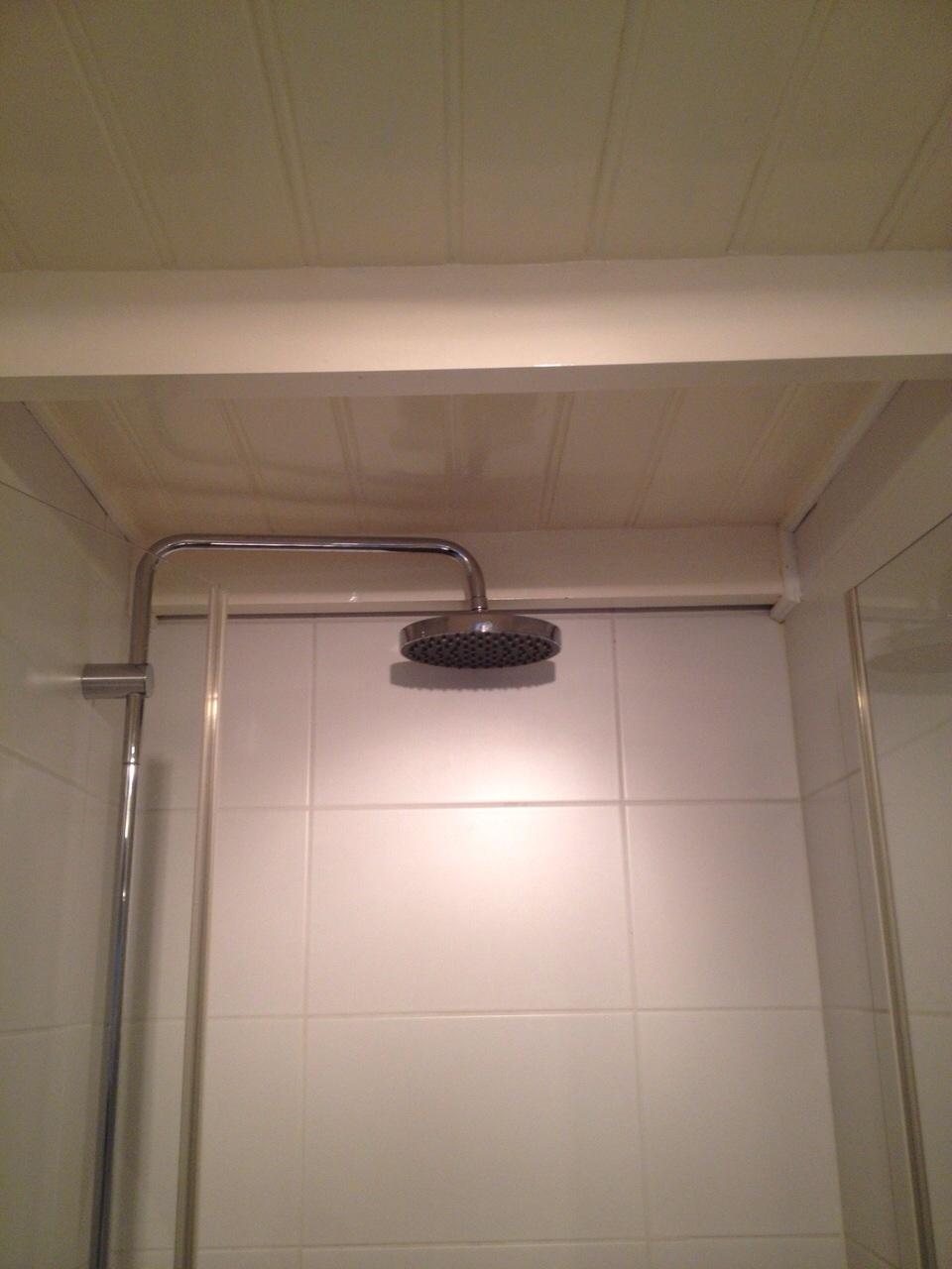Verf badkamer plafond – Mdf lakken hoogglans
