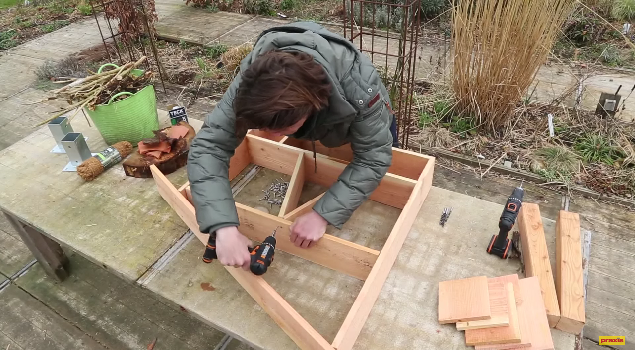 Hoe maak je een insectenhotel - Maak een eigentijdse tuin aan ...
