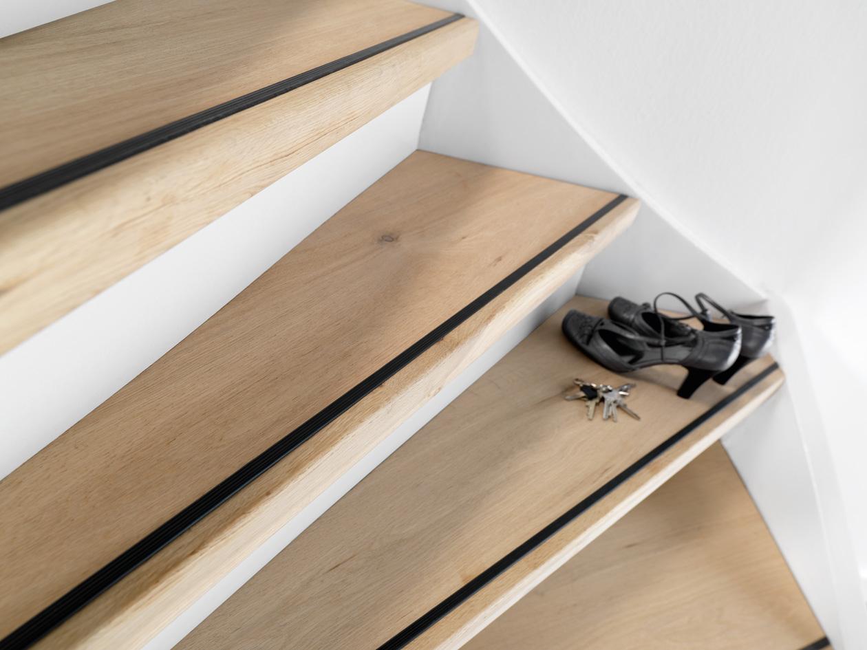Traprenovatie met cando doe het zelf traprenovatie systeem for Stootborden trap maken