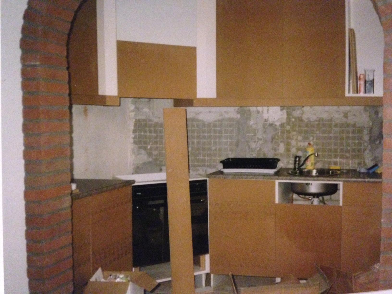 Oude keuken omtoveren naar een moderne keuken - Moderne oude keuken ...