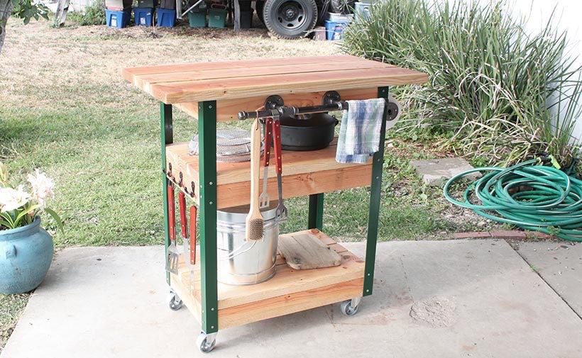 Barbecue tafel op wielen for Beistelltisch zum grillen