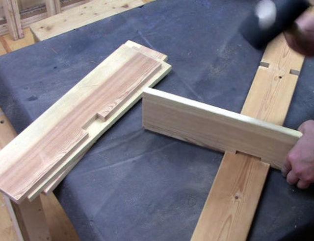 Simpele wandmeubel met 1 schroef - Plank wandmeubel ...